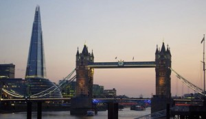 Tower_Bridge_and_the_Shard_at_sunset_2013 (1)